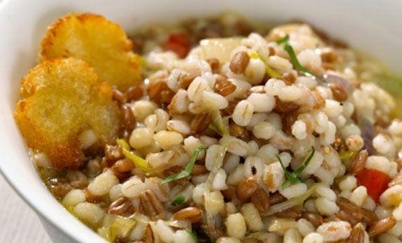 Zuppa di farro e fagioli, lo stile toscano nel piatto | Cambio cuoco
