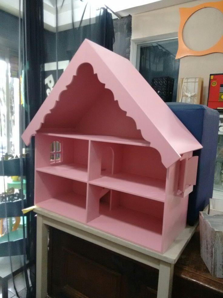 Casinha de boneca ,neste caso laqueado de rosa bb