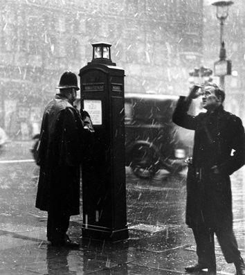 Cambridge Circus, London 1952 Wolfgang Suschitzky | A-Z of Photographers | The Photographers' Gallery