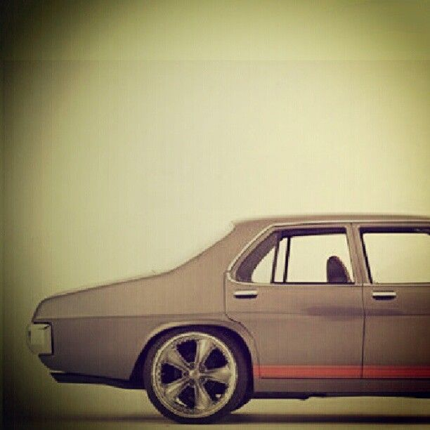 #all_shot #hot_shot #holden + #ford = #muscle #wagon #old #school #premier #kingswood #statesman #engine #tagstagram #statigram #urban #instacar #hellogram #hosv #fast #speed - @Egi Saputra- #webstagram Holden + Ford = Classic Muscle Car #Australian #American