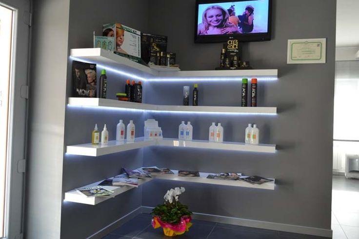 Las 25 mejores ideas sobre salones de belleza en for Mobiliario de salon moderno