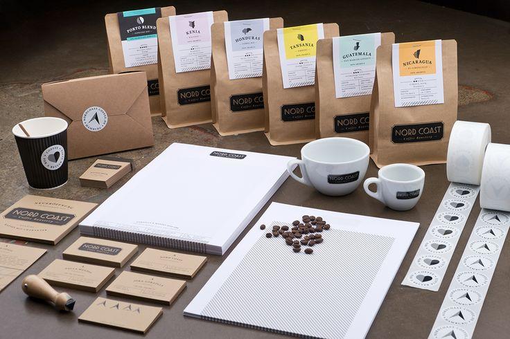 Kaffee mit Charakter – eine Haltung, mit der die Kaffeerösterei Nord Coast aus Hamburg ihren Kaffee leidenschaftlich zubereitet. Täglich frisch und mit Sorgfalt werden hier feinste Sorten geröstet, bis sie ihr ganzes individuelles Aroma entfalten. Dabei wird Wert auf nachhaltigen Anbau und fairen Handel gelegt. Die erlesenen Bohnen kommen von fair bezahlten Kaffeebauern aus den [...]