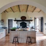 Stunning Rustic Italian Villa in the Lush Umbrian Countryside: Italian Villas, Kitchens Design, Dreams Kitchens, Cabinets Storage, Kitchens Ideas, Rustic Kitchens, Bar Stools, Rustic Italian, Kitchens Cabinets