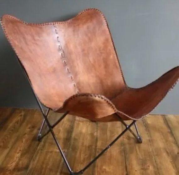 Ein Schmetterling Stuhl auch ein BKF-Stuhl ist ein Stuhl mit einem faltbaren Rahmen und eine großen Tuch Schlinge hing vom höchsten Punkte des