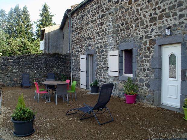 Location vacances Mazaye. Annonces de location saisonnière de vacances à Mazaye en Puy de Dôme de particuliers.