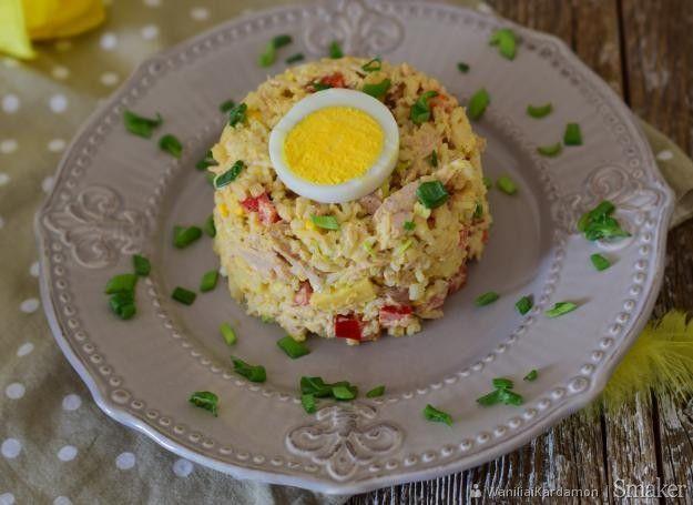Sałatka ryżowa z jajkiem.