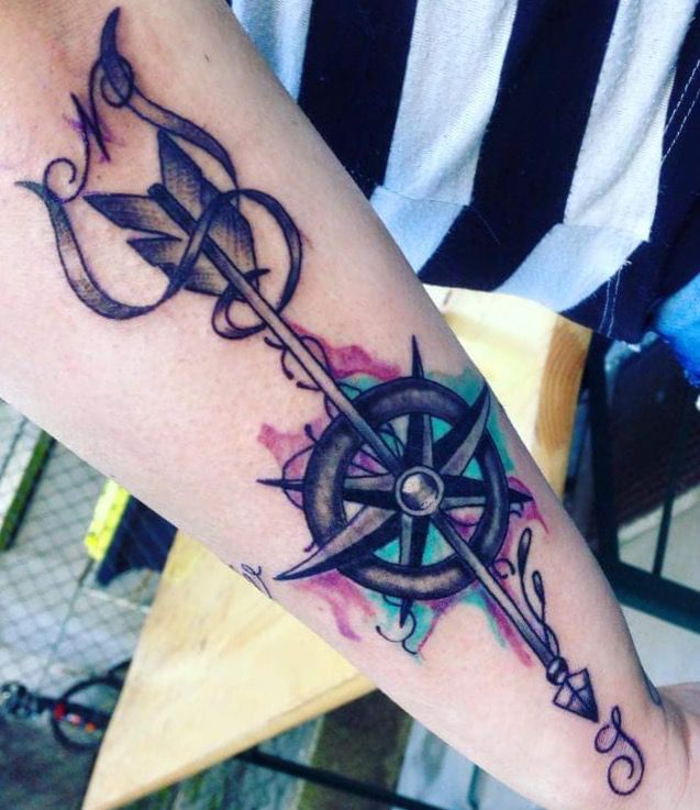 Kompass Tattoo Farbe Pfeil
