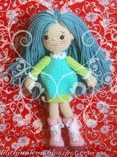 amigurumi Blue hair doll