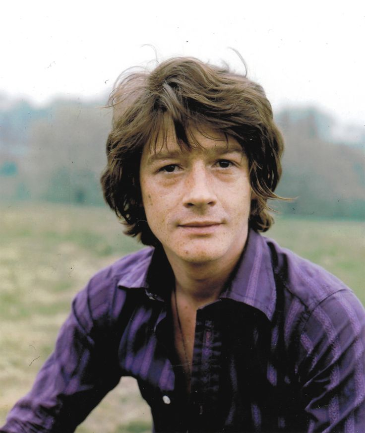 Young John Hurt - with a bit of a James McAvoy look?