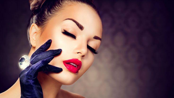girl maquiagem, batom vermelho, cílios, luvas, anel de diamante Papéis de Parede - 2560x1440 QHD