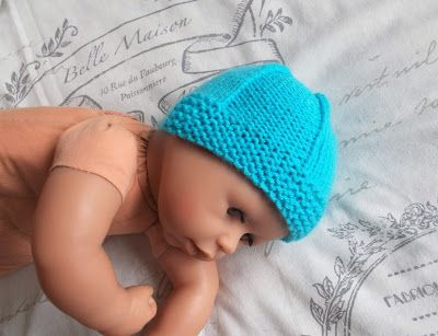 I wanted a really simple but sweet baby hat that would work well for a newborn boy or girl. I know that I have written dozens of hat patter...