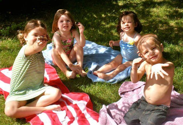 Не знаете, что приготовить для детского пикника на природе? Испеките печенье в виде животных! 4 вкусных и оригинальных рецепта детского домашнего печенья.