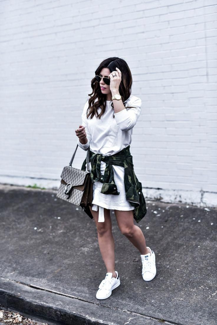 5252fc0bfc83 Houston fashion and lifestyle blogger Tiffany Jais wearing a t-shirt dress  from ASOS and white Stan Smith sneakers
