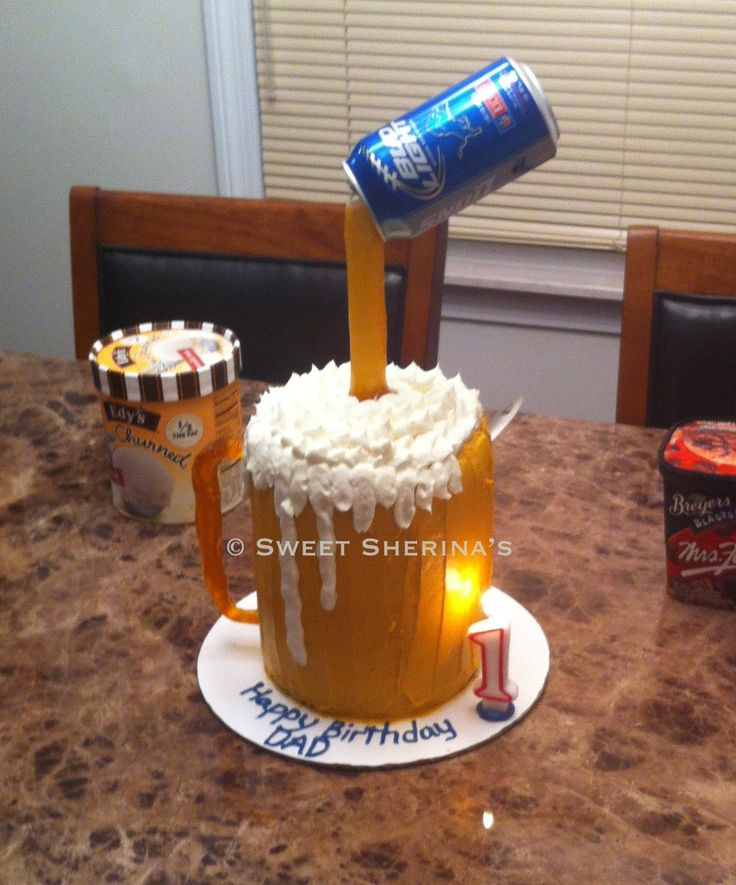 Beer Mug Birthday Cake © Sweet