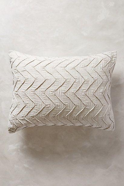Textured Chevron Standard Pillowcase - anthropologie.eu