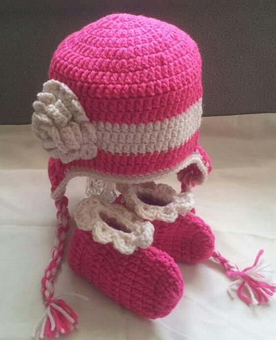 Hats $20 Hats and Booties $25 Headbands and Shoes $25 Headbands Shoes & Hat $30 Hat & Sweater $30-40 Hat & Diaper Sets $25 Hat & Cocoon Sets $30 If you don't see what you like just ask and I can make it. Any color and design. Add ears, flower, bow or animal. Hats from newborn to adult, diaper covers up to 9 months, sweaters up to 2 years. Cocoons up to 6 months contact - magicfingers1973@yahoo.ca