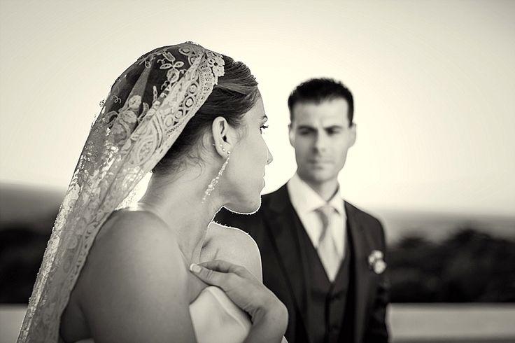 Ritratti spontanei di matrimonio al tramonto, dettaglio glamour | Candid wedding portrait at sunset, glam detail