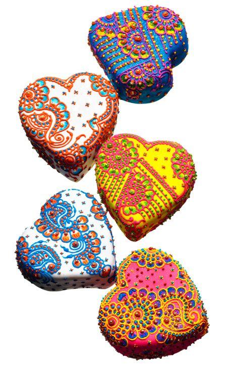 Henna-Inspired Wedding Cakes.: Minis Cakes, Inspiration Cakes, Henna Inspiration, Food, Wedding Cakes, Indian Wedding, Minis Hennainspir, Heart Cakes, Vibrant Hennainspir