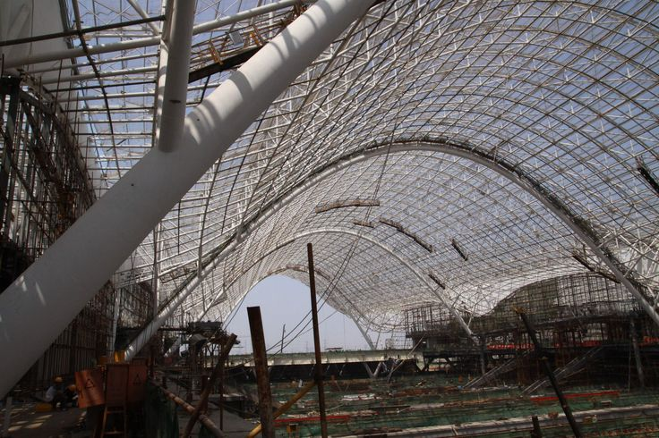Wuhan railway station - structure under construction - 2008
