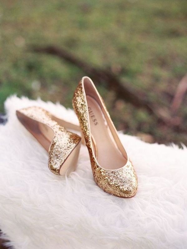 Gold Glitter Wedding Shoes | CreARTivia | Warm and Cozy Winter Wedding in Wine and Gold with a Little Holiday Sparkle