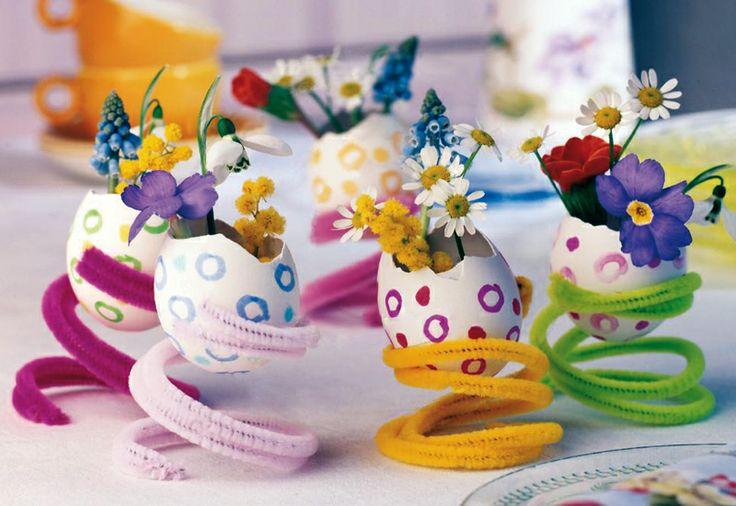 Uova portafiori per la tavola di Pasqua