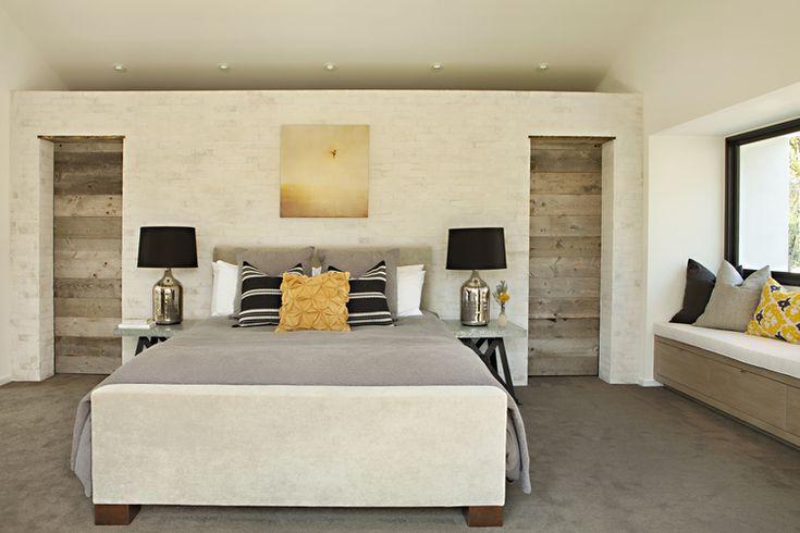 closet space behind master bed. Karyn-R-Millet_MG_3020R.jpg -