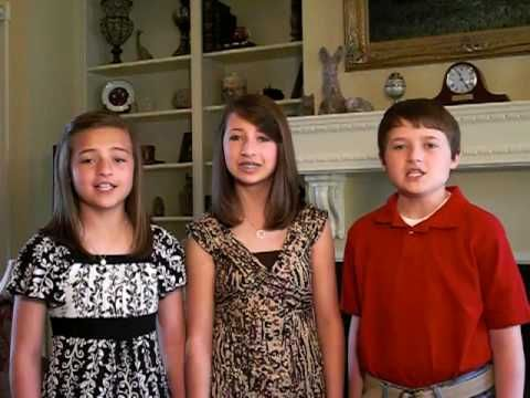 Amazing Child Singer - Star Spangled Banner - National Anthem performed by Daves Highway