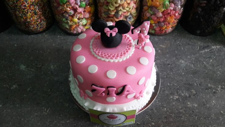 Minnie Mouse Cake  #minniemouse #cake #sweetfionah