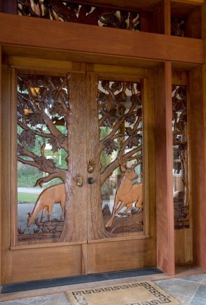 Log home deer carved door artesanias en madera for Custom rustic homes