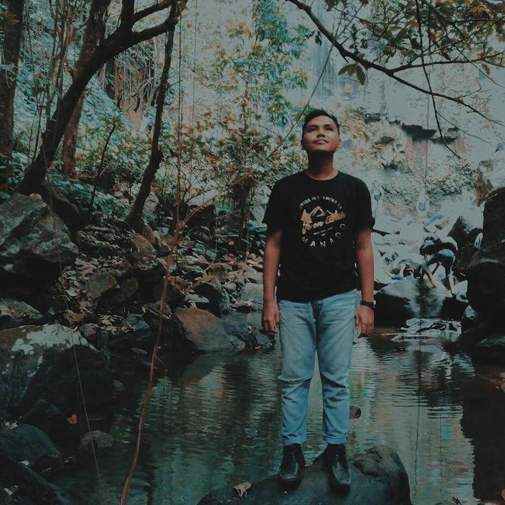 : @gutthx #instagram #WWIM13 #wwim13indonesia #wwim13manado #LifeOnEarthWWIM13 #indonesia #manado #iManado #waterfall #potd #snapseed #vsco #vscocam #folk by caneddie