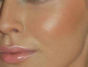 Чистка лица. Проверено!!! 1. Умываем лицо привычным способом, закалываем волосы, чтобы лицо было открытым. 2. Готовим смесь №1. Берем столовую ложку пены для бритья, добавляем […]