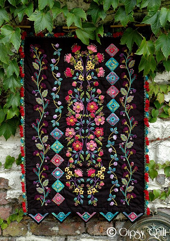 Quilt Gipsy: Gipsy Dream.  Silk ribbon, embroidery and beaded quilt