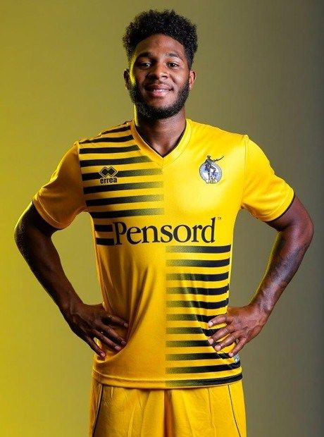 Bristol Rovers Away Kit 2015 16