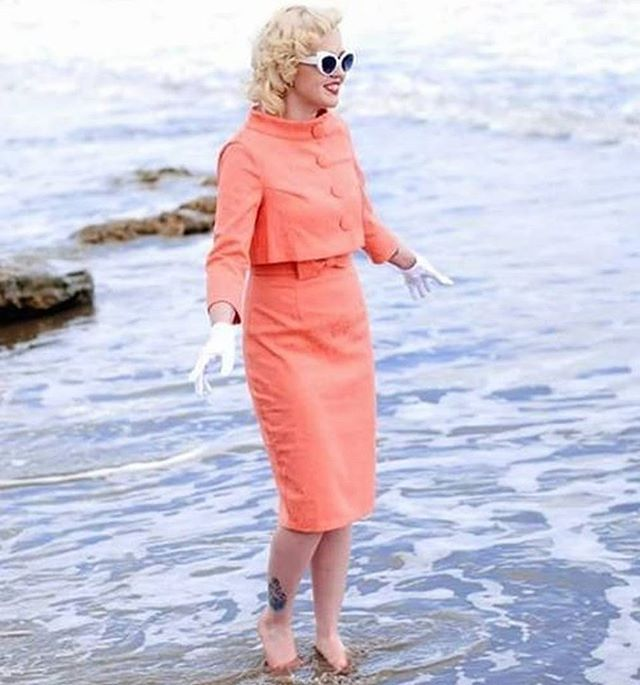 """@venusvonschweetz plays #marilynmonroe in her peach Maybelle twinset - selected sizes still available, also in black and white. Image c/o Anth Short photography. #lindyboplove #lindybopoutfit #model #pinupmodel #pinupstyle #vintage #retro"""""""