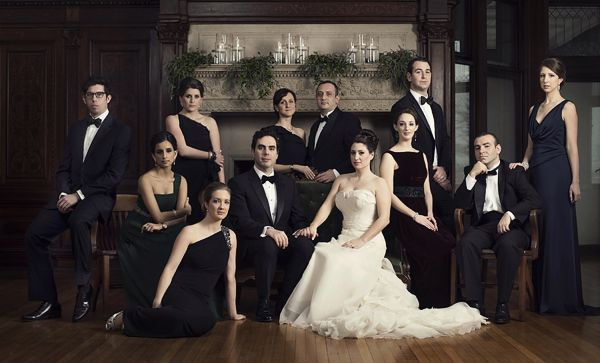 I love this. So much. The pose, the bridesmaids dresses... <3
