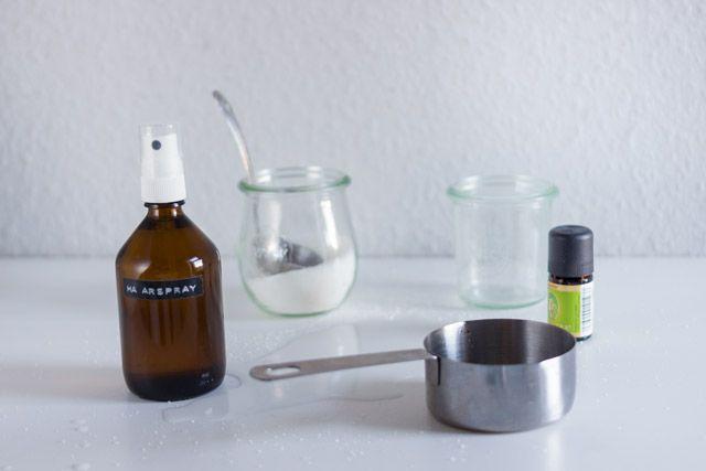 Haarspray slber machen: 100 ml abgekochtes Wasser, etwas abgekühlt (Abkochen ve…