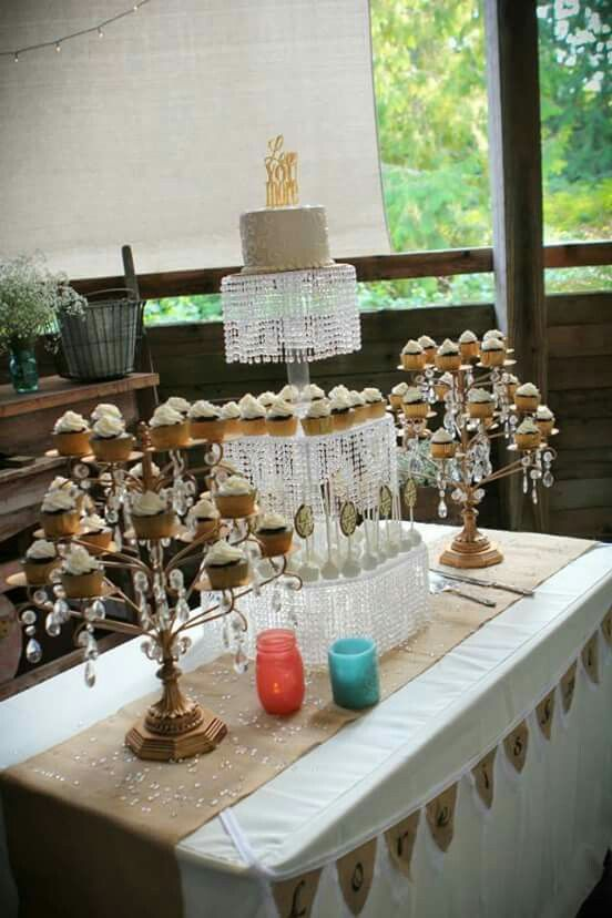 Hands down, this is THE classiest way I've ever seen a cupcake wedding cake done.