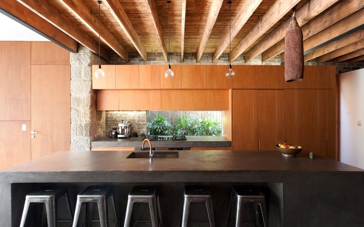 MCK Architects / Ware House