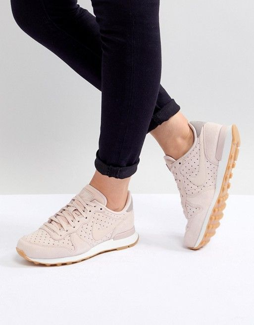 Nike Premium Internationalist Trainers In Pink in 2019  4bc99ab2a5d4
