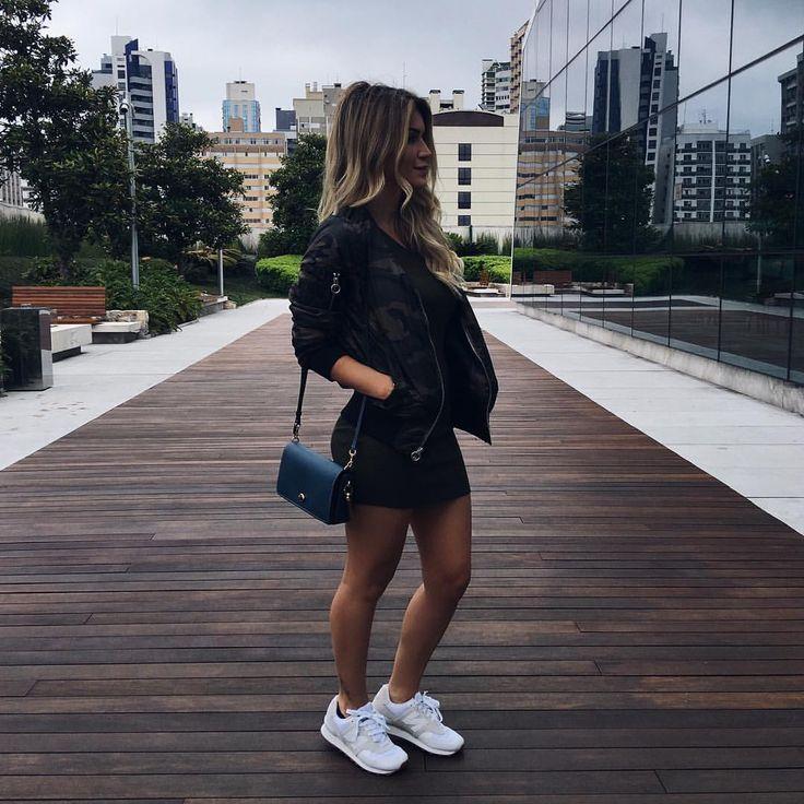 """13.3 mil curtidas, 97 comentários - Jessica Belcost (@jessicabelcost) no Instagram: """"Viciei em usar esse tênis porque me sinto uns 3cm mais alta!  (É o New Balance 574)"""""""