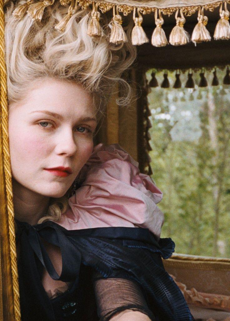 Kirsten Dunst as Marie Antoinette by Annie Leibovitz (Vogue)