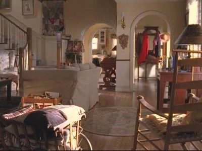 I've always loved how Lorelai and Rory's house looks. I'd love to have something like this one day