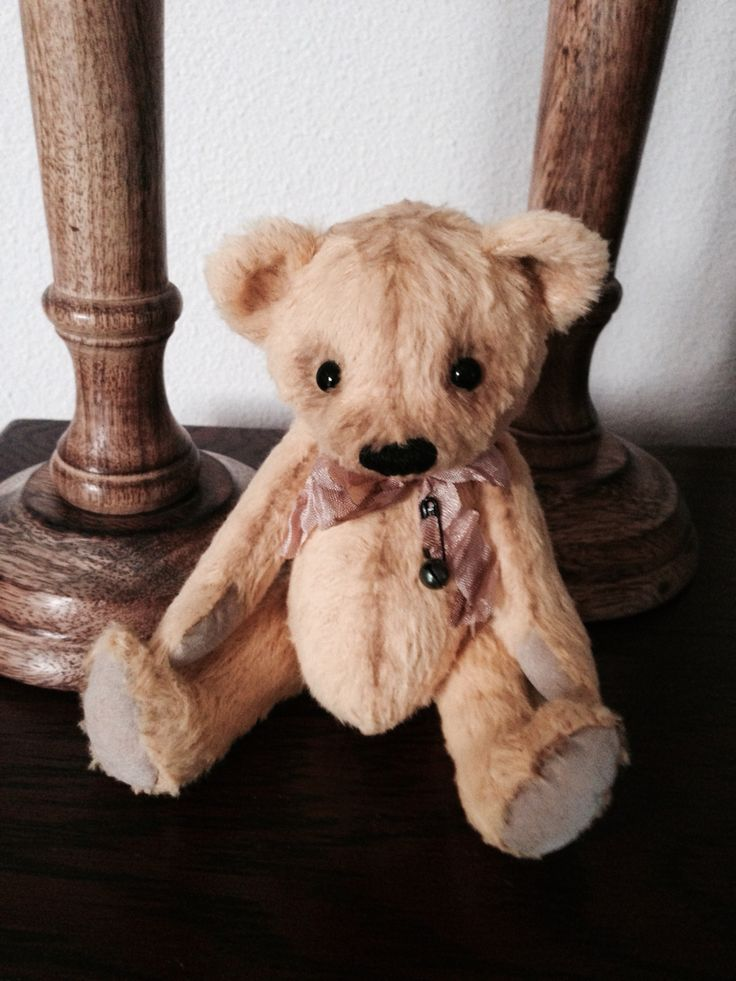 Lovely bear made by me 2015. Patron Toos Keuning