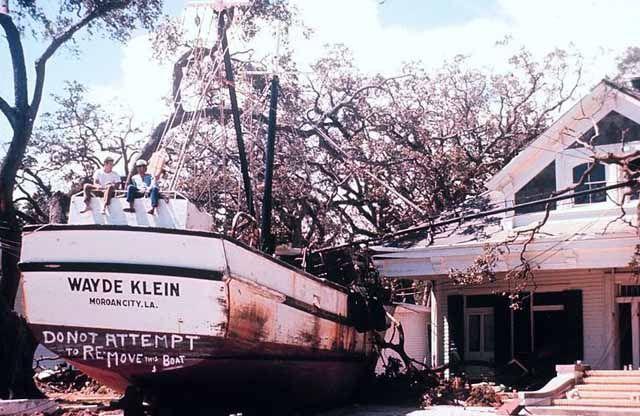 Boat hits house during Hurricane Camille - 1969 http://ift.tt/2xNN71m