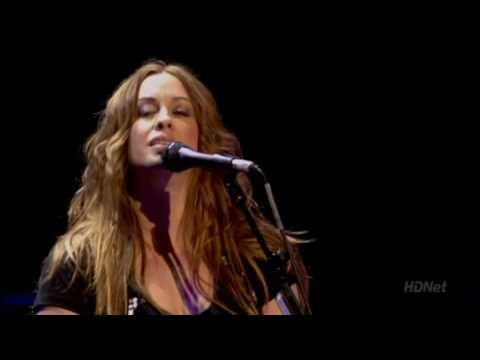 Alanis Morissette - Uninvited (2008) Brixton, London - YouTube
