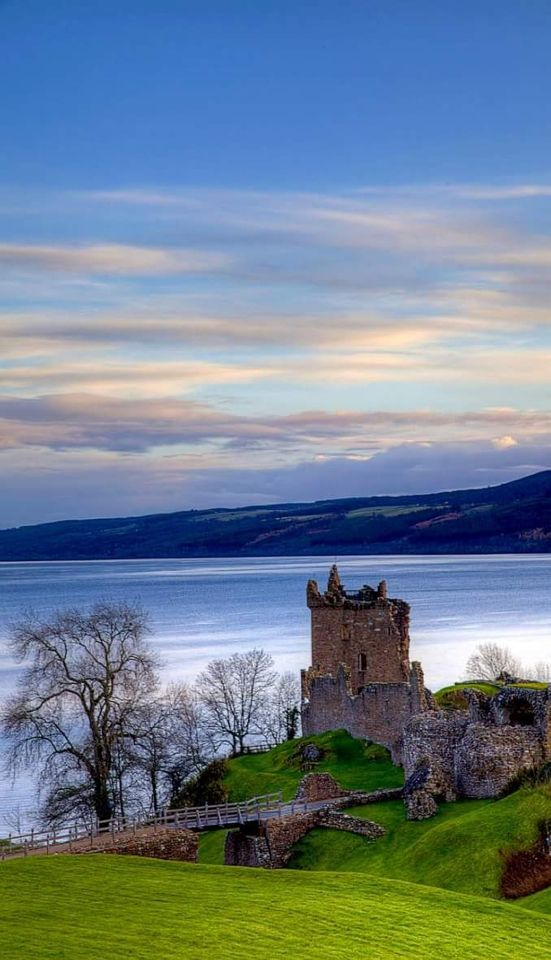 Bucket list must: stay in a castle overlooking the ocean. In the middle of nowhere. O:)