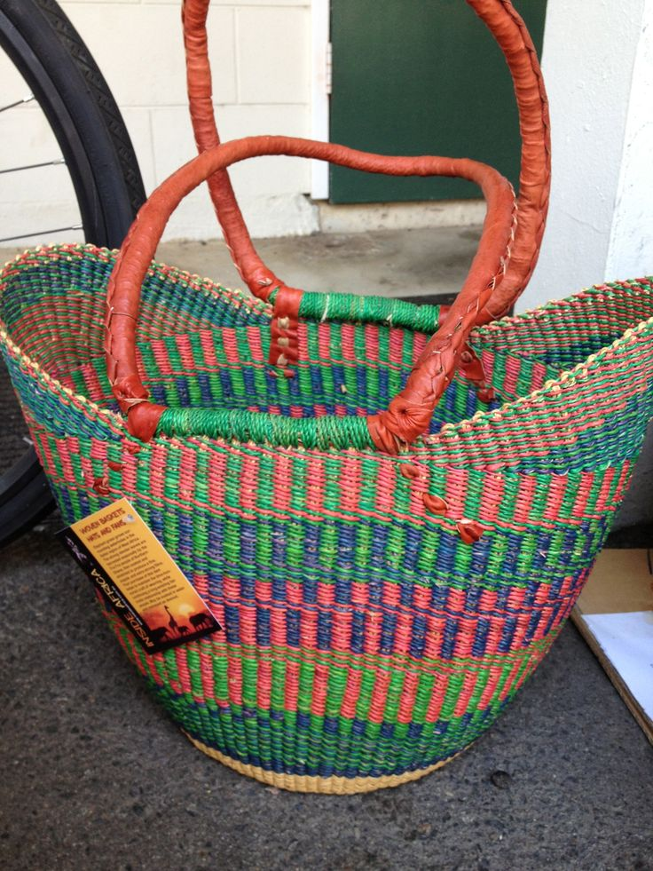 Over the shoulder style elephant grass baskets - perfect for making your way through a bustling market...