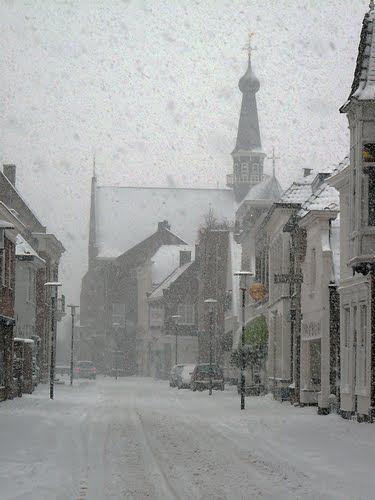 Straatbeeld grotestraat besoijen - RStokwielder