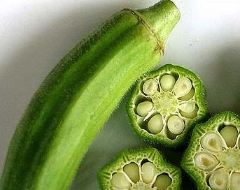 Okra is one of those few vegetables which have the highest content of phytonutrients and antioxidants such as beta-carotene, xanthin and lutein.