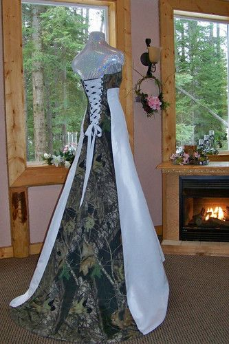 Hahahaha!! Camo wedding dress! I LOVE THIS! Haha for my redneck wedding!! Hahaha!!